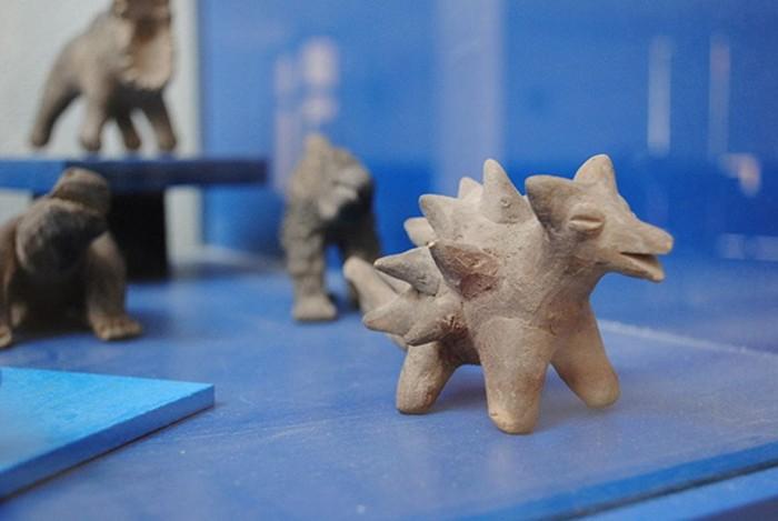Detalle de algunas de las figuras de Acámbaro de aspecto mitológico.