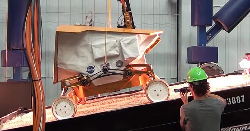 NASA planea enviar una fábrica móvil de agua a la Luna