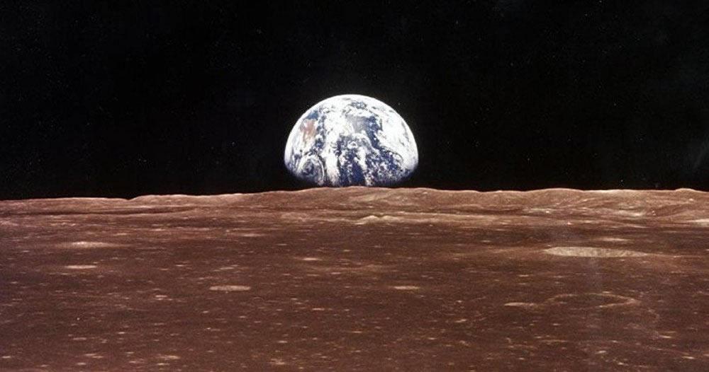 SpaceX anuncia el primer vuelo turístico a la Luna en 2018