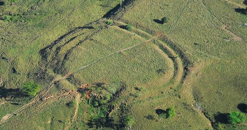 «Stonehenge del Amazonas» Descubren 450 geoglifos de 2.000 años de antigüedad en la Amazonía