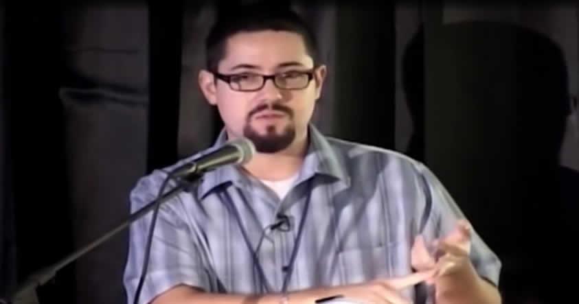 Hombre afirma haber sido abducido y tener un avistamiento OVNI real