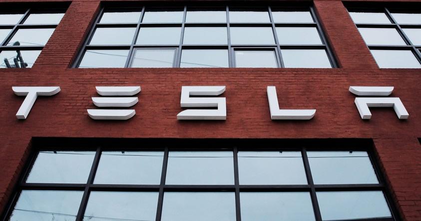 Tesla Motors ha cambiado su nombre a «Tesla», y busca expandirse en el mercado