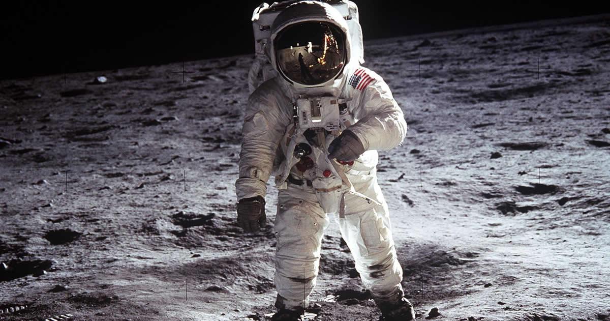 ¿Ex astronauta Buzz Aldrin confirmó ver dos Ovnis en la Luna?