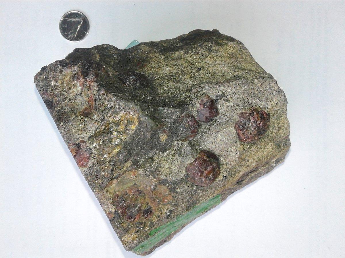 Una muestra de la roca de 4.28 billones años de la Nuvvuagittuq Greenstone Belt, en Québec, Canadá.