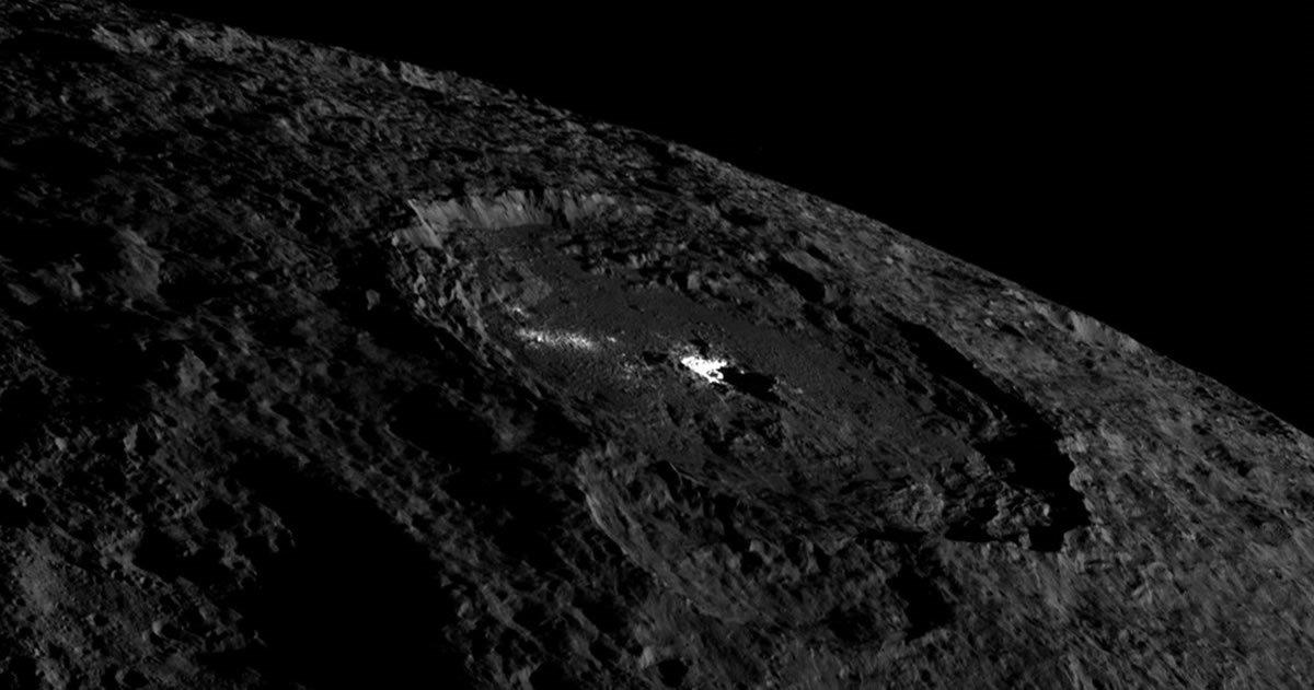 Volcanes del planeta enano Ceres están arrojando hielo de agua salada