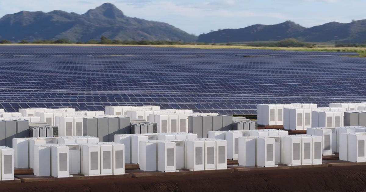 Tesla ha construido una gigantesca planta solar en Hawái para energizar una ciudad completa
