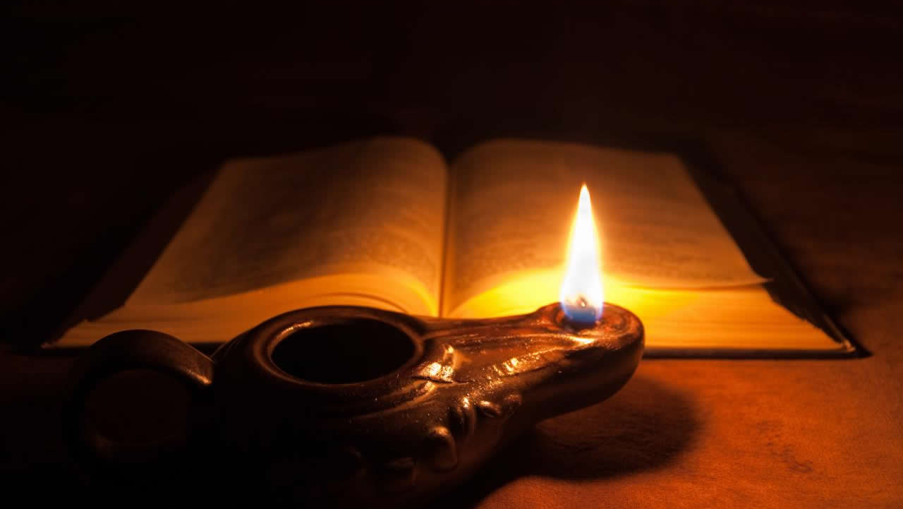 La Biblia - Página 12 Dark-bible