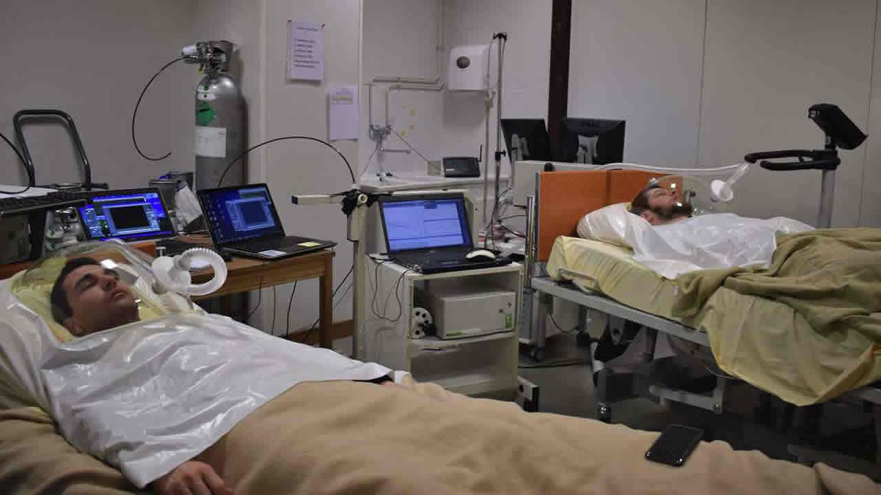 Científicos buscan 24 hombres para estar dos meses en cama por 16.000 euros
