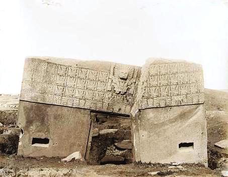 Puerta del Sol, año 1903.