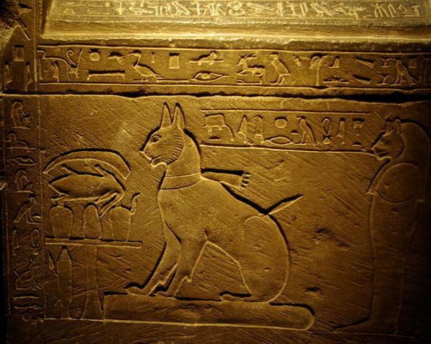 El sarcófago del gato del Príncipe Heredero Thutmose, hijo mayor de Amenhotep III y la Reina Tiye.