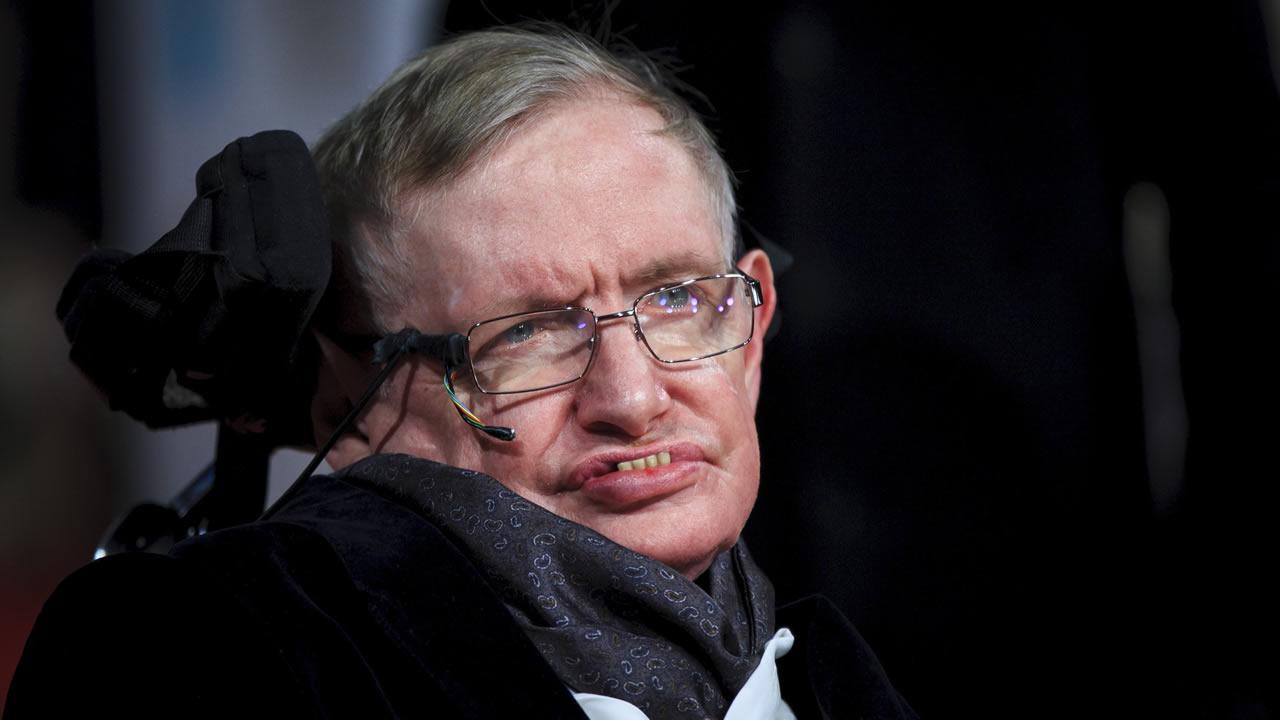 Stephen Hawking: «Debemos huir de la Tierra dentro de un siglo si queremos sobrevivir»