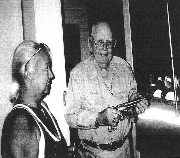Charles H Fogus, ayudante del Sheriff, del condado de Howard brindó testimonios sorprendentes.
