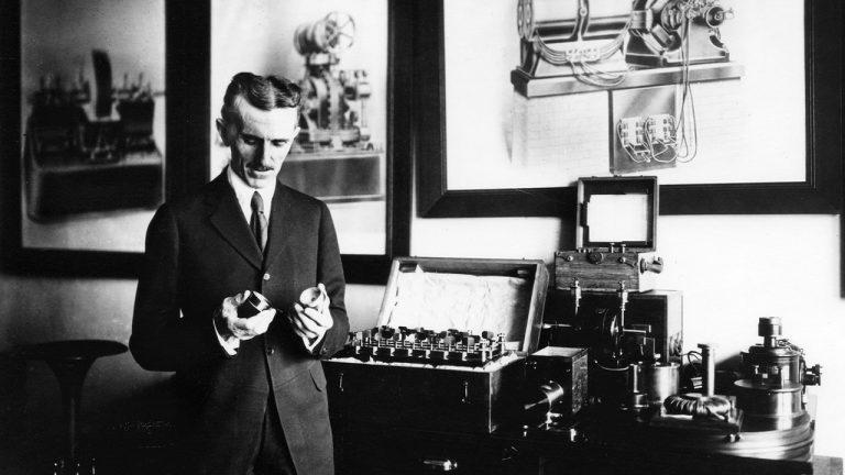 Nikola Tesla y su propósito de inventar una cámara que podría fotografiar los pensamientos