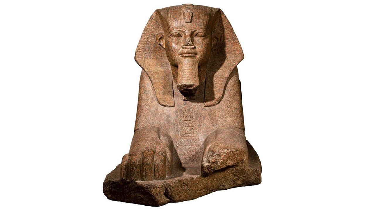 Uno de los pocos vestigios del reinado de Sheshonq I es esta esfinge hallada en Tanis. En realidad, la esfinge había pertenecido a Amenhemat II, y luego Merneptah y Sheshonq pusieron sus nombres.