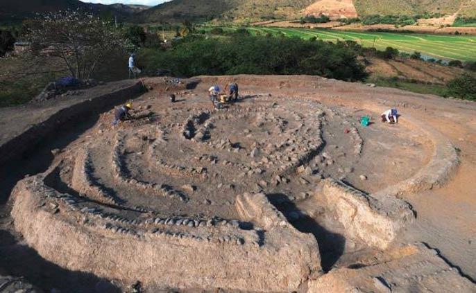 Edificio con forma espiral en el yacimiento arqueológico de Montegrande.