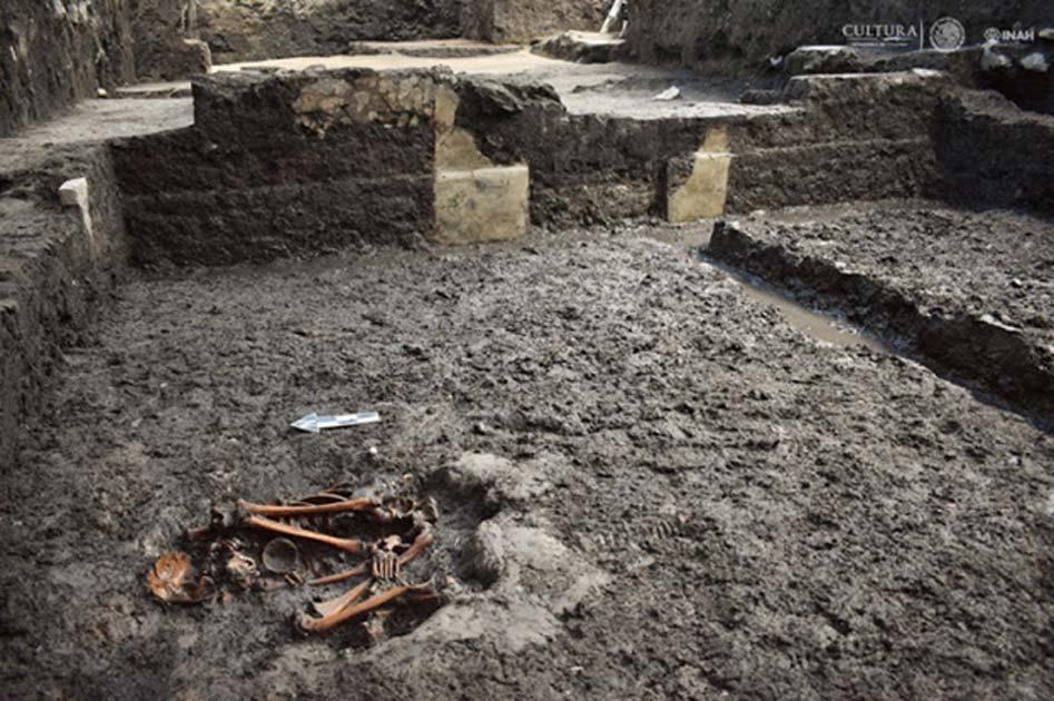 Restos humanos hallados en el antiguo yacimiento azteca de Colhuacatonco