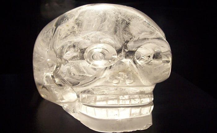 Calavera de cristal descubierta por Anna Le Guillon Mitchell-Hedges