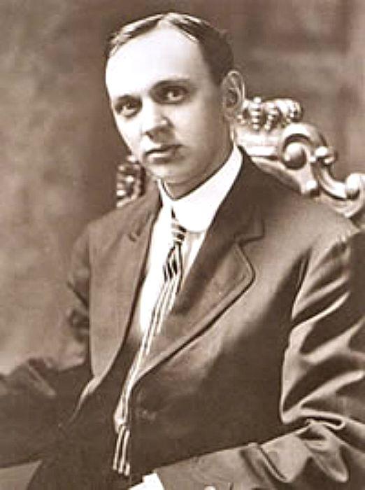 Retrato de Edgar Cayce en 1910. Cayce aseguraba haber vivido en la Atlántida 15.000 años atrás y haber enterrado muy cerca de la Gran Esfinge los archivos más importantes de aquella civilización cuando fue destruida