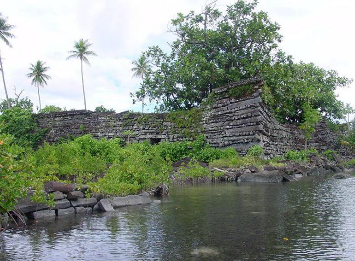 Nan Madol. Sus monolitos de más de 20 toneladas cada uno son un misterio.