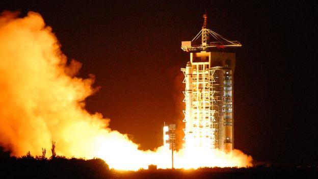 El satélite Micius de China está equipado con un sensible dispositivo para recibir fotones