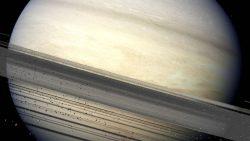 Sonda Cassini captura una asombrosa imagen de la atmósfera nebulosa de Saturno