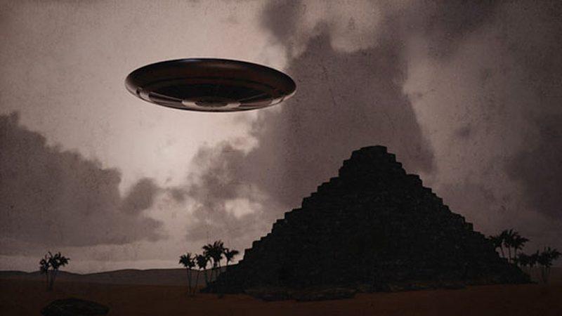 Un documental ha planteado que un «secuestro extraterrestre masivo» de turistas reunidos cerca de las pirámides egipcias realmente ocurrió, y habría un vídeo de ello