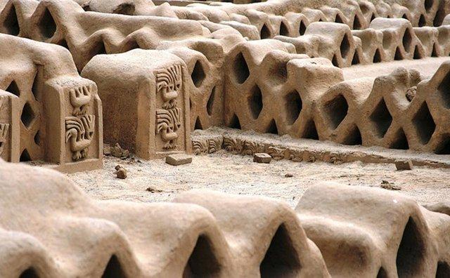 Las impresionantes construcciones de Chan Chan, capital de la cultura Chimú.