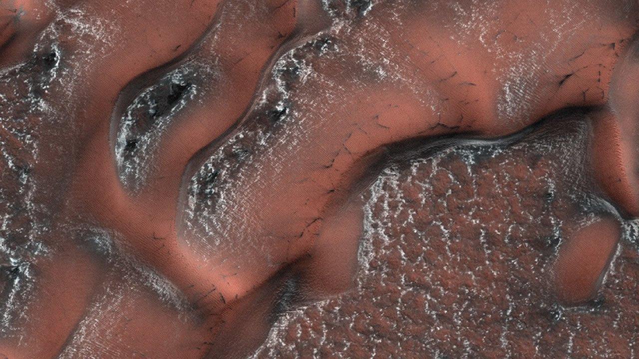 Dunas nevadas en Marte: Así se forma la nieve en el planeta rojo
