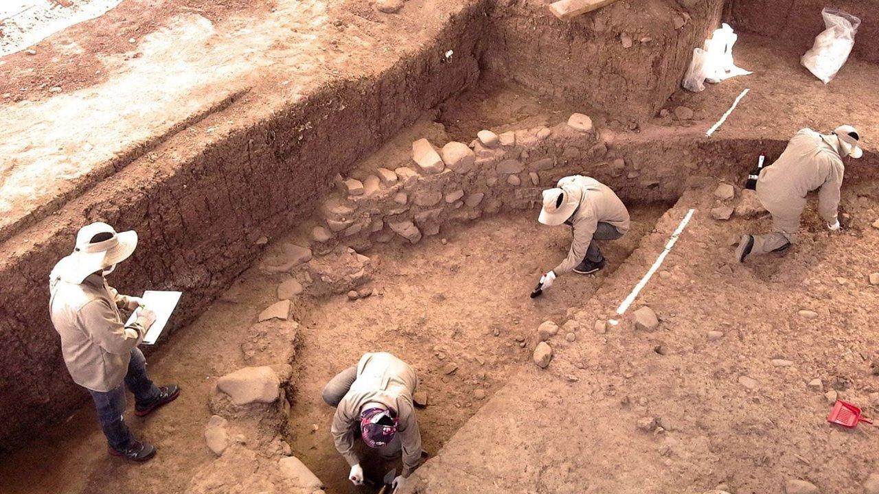 Descubren muro circular de piedra de más de 3,000 años de antigüedad en Cusco, Perú
