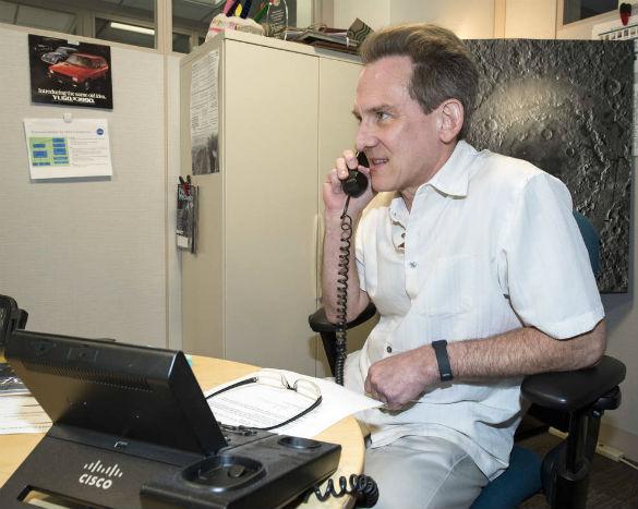 Jack Davis recibió una llamada especial el viernes 4 de agosto de 2017 del director de investigación planetaria de la NASA, Jonathan Rall, felicitándolo por su interés en servir como oficial de protección planetaria de la agencia.