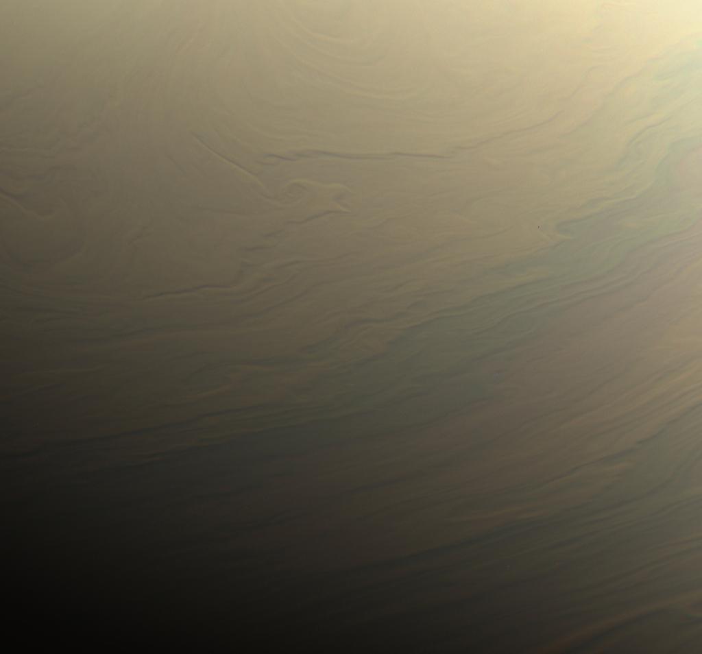 Fotografía de la atmósfera de Saturno obtenida por Cassini.
