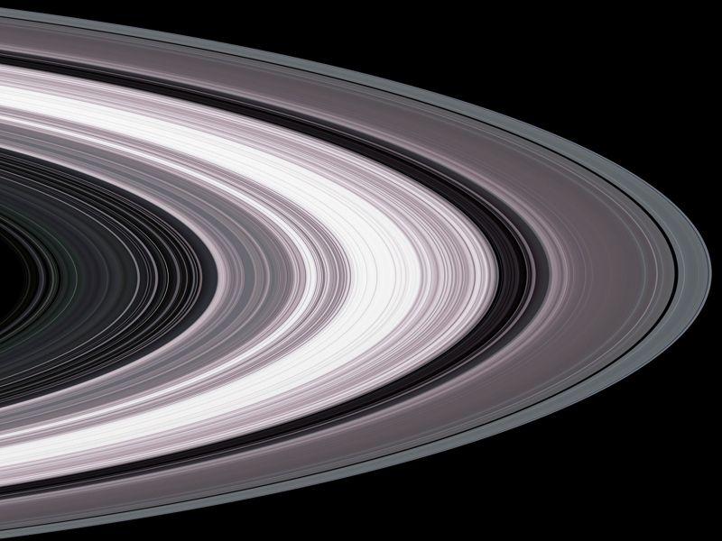 Imagen de los anillos de Saturno tomada por Cassini el 13 de septiembre de 2017. Es una de las últimas tomada por la sonda.