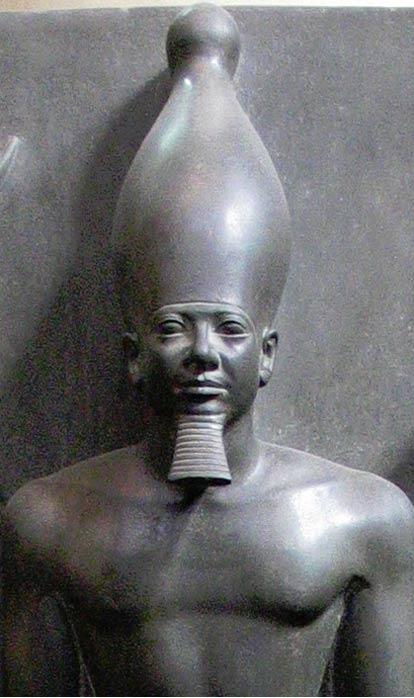 Estatua de Menkaure, Museo Egipcio, El Cairo.