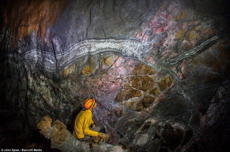 Cueva subterránea en Vietnam: Portal a un nuevo mundo