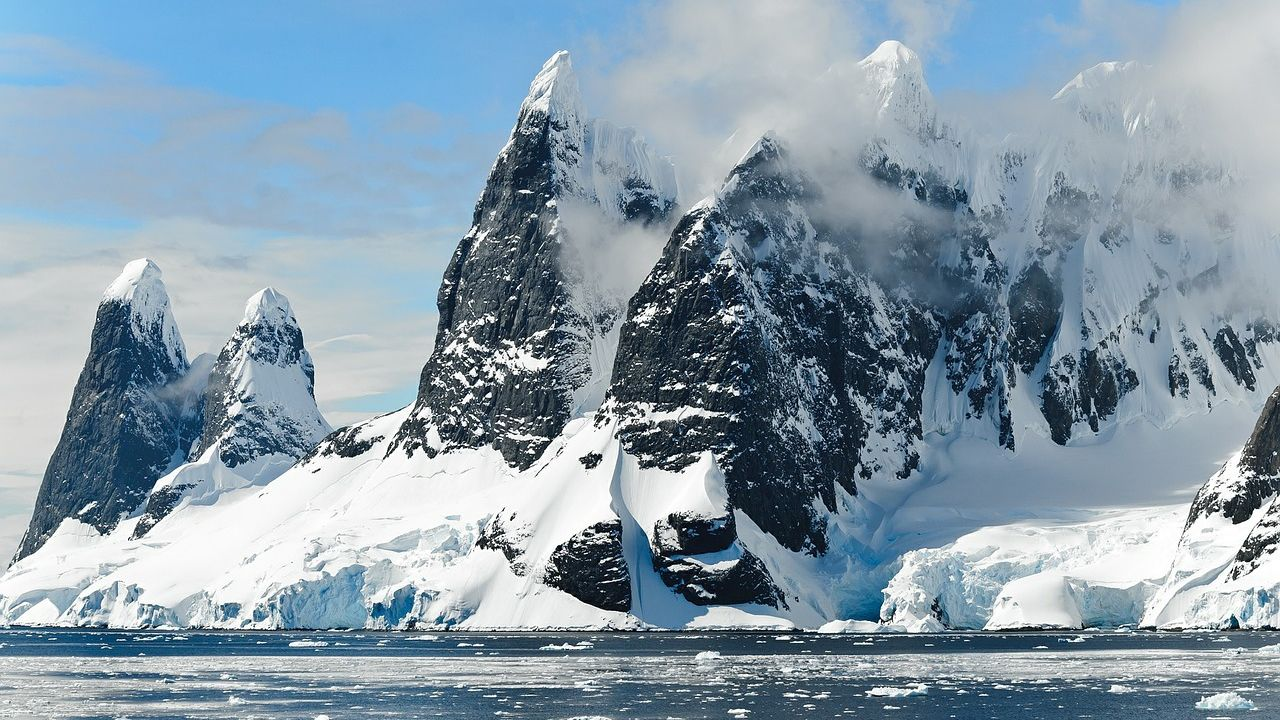 ¿Un mundo secreto? Investigan existencia de especies desconocidas en cuevas antárticas
