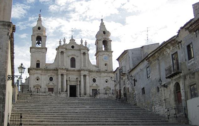 La carta fue escrita por la Hermana María Crocifissa della Concezione en el convento de Palma di Montechiaro, y aunque dijo que era «de Satanás», no se ha demostrado hasta ahora.
