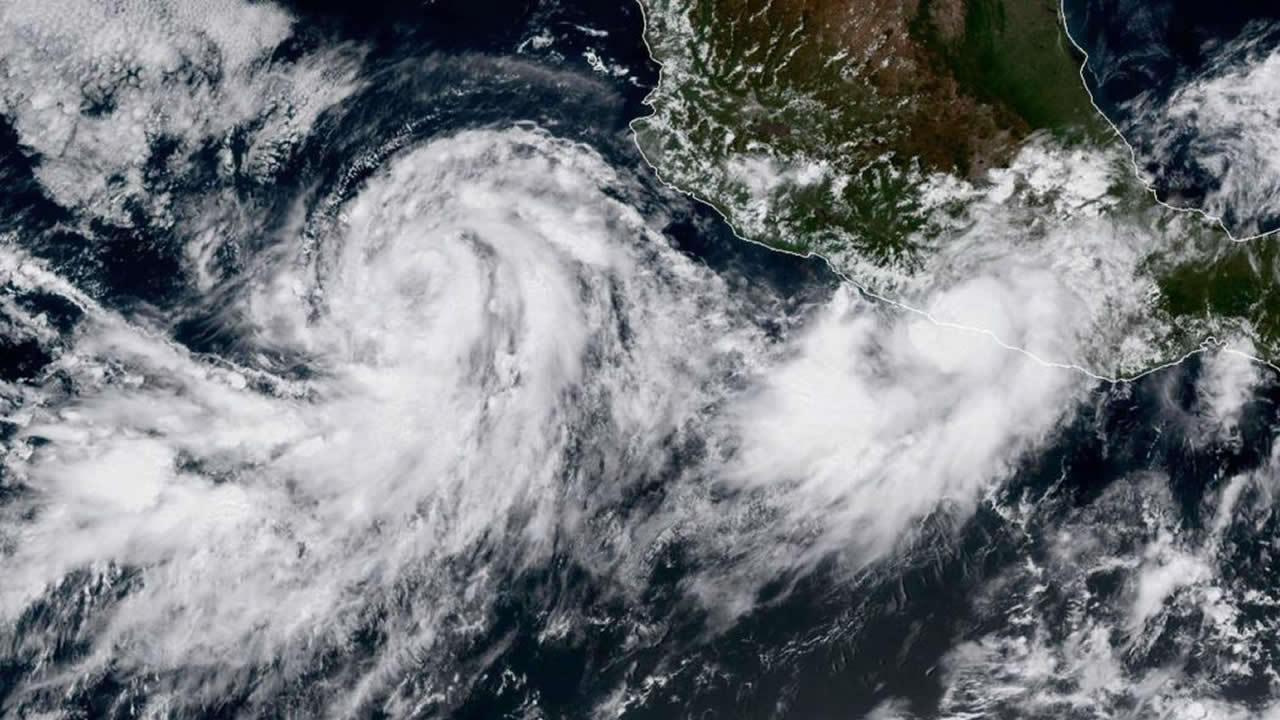 Se desata otra tormenta tropical en el Atlántico y por el Pacífico avanza un huracán hacia México