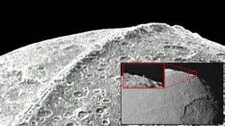 ¿Es la luna Lapetus un satélite artificial? Impresionantes evidencias