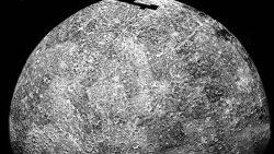 Encuentran enormes reservas de hielo en un lugar inesperado del Sistema Solar