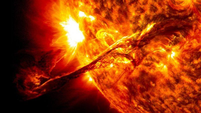 Una eyección de masa coronal ha causado una tormenta geomagnética que golpeará la Tierra