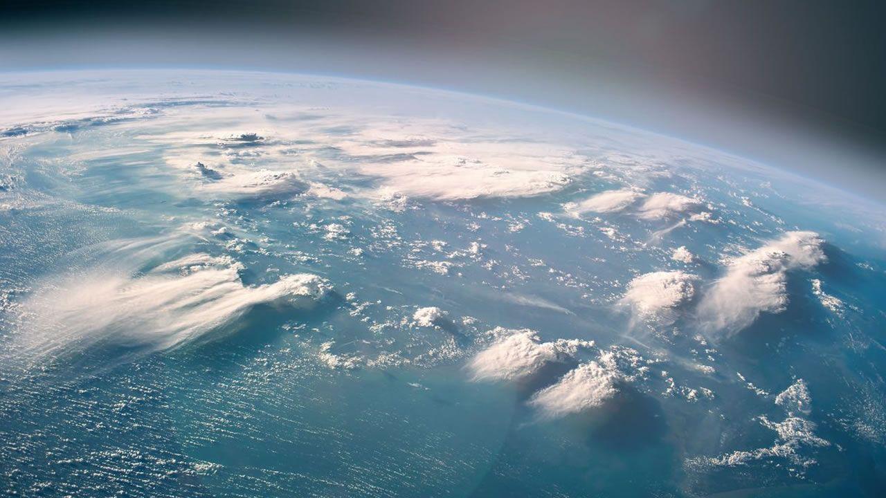 Nuevos descubrimientos sitúan la vida hace casi 4 mil millones años