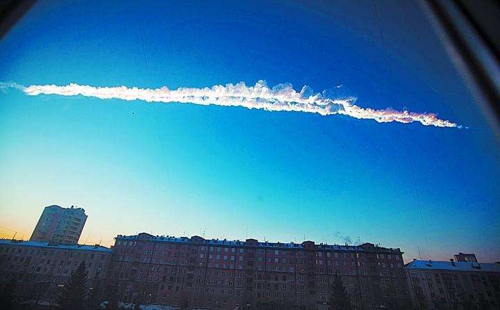 El momento. Así cayó el meteorito, en febrero de 2013, sobre Chelyabinsk, en la región de los montes Urales.