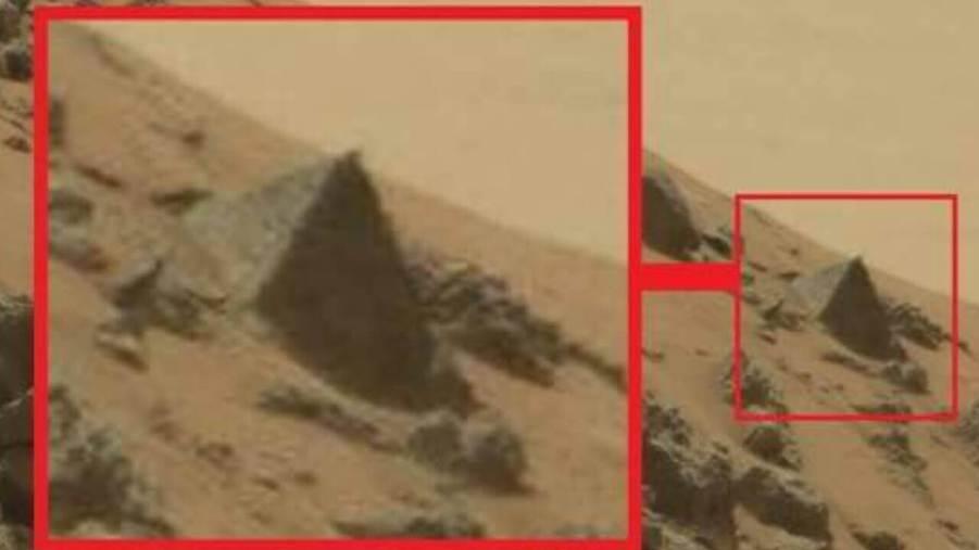 Una clara imagen, que muestra una perfecta pirámide sobre Marte