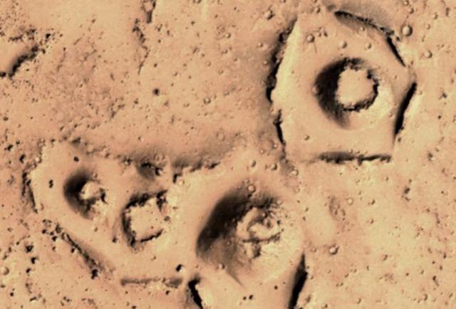 ¿Antiguas ruinas en Marte?