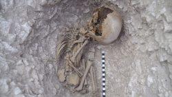 Hallan restos humanos prehistóricos en Larkhill Garrison, Inglaterra