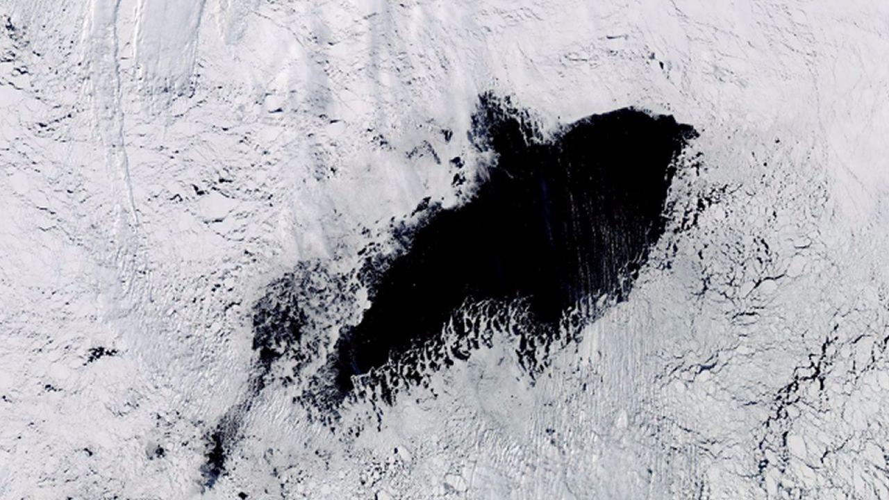 Un gigantesco agujero en la Antártida deja sin explicación a los científicos
