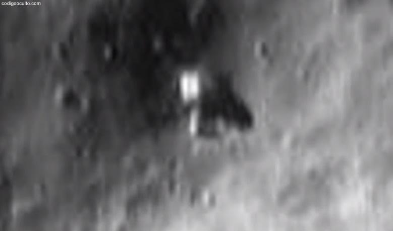 Misterioso objeto posado en la superficie del asteroide Eros. Para NASA solo sería una roca.