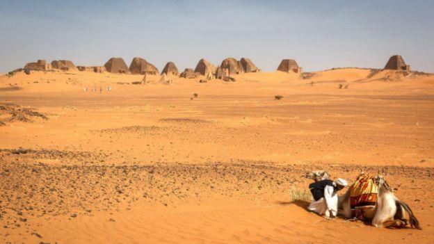 Hay muchas más pirámides en Sudán que en Egipto.