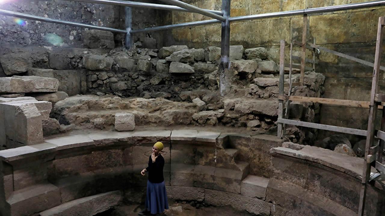Hallan una parte del Muro de las Lamentaciones oculta hace 1.700 años