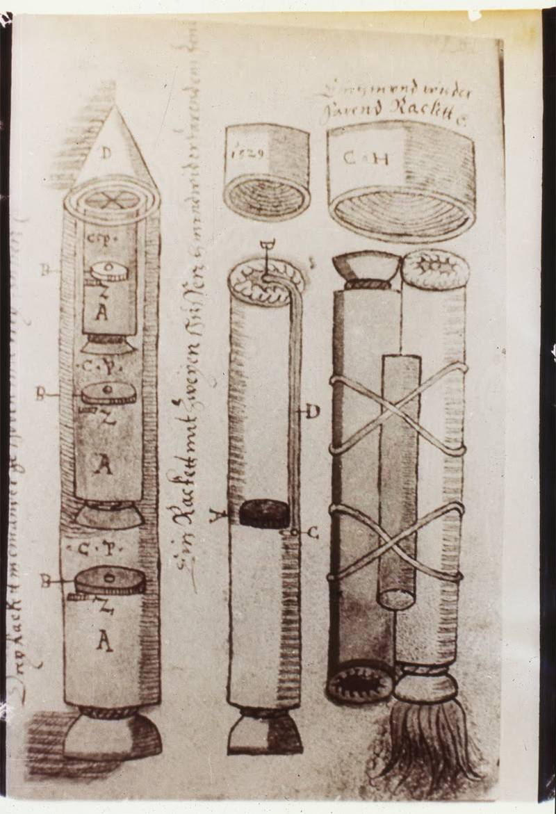 Parte del Manuscrito de Sibiu, que muestra el diseño para la construcción de cohetes, en el siglo XVI